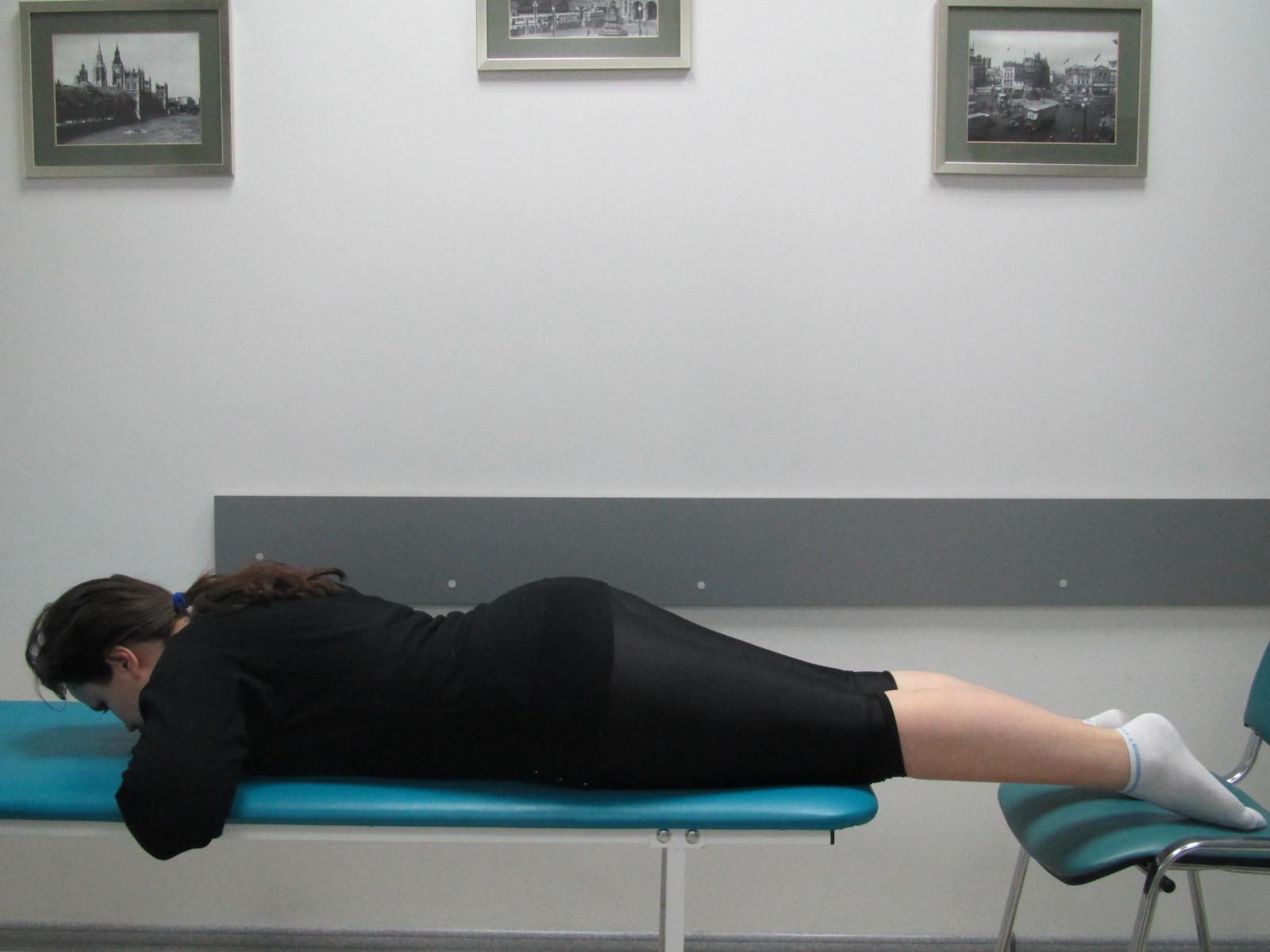 fisură puternică în articulațiile genunchiului